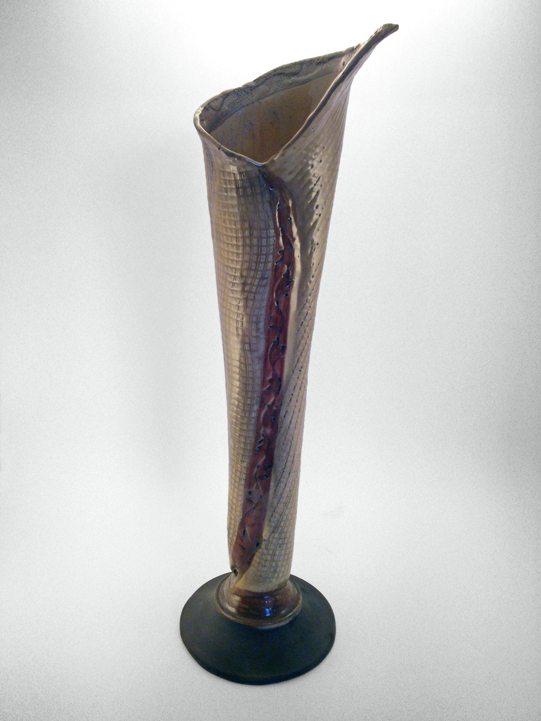 Silver Leaf Vase - Ildikó Károlyi