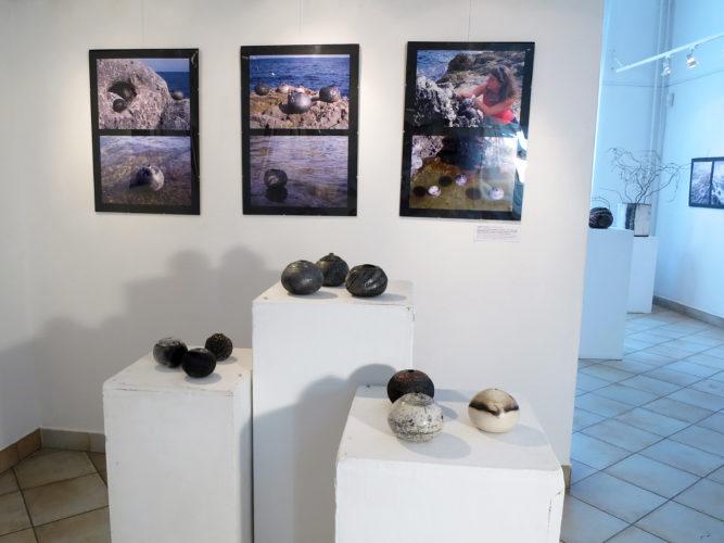 Salento sorozat - Tapintható univerzumok: egyéni kiállítás Suttogógömbökkel