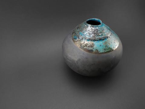 Aquamarine: Whispering Globe - Ildikó Károlyi