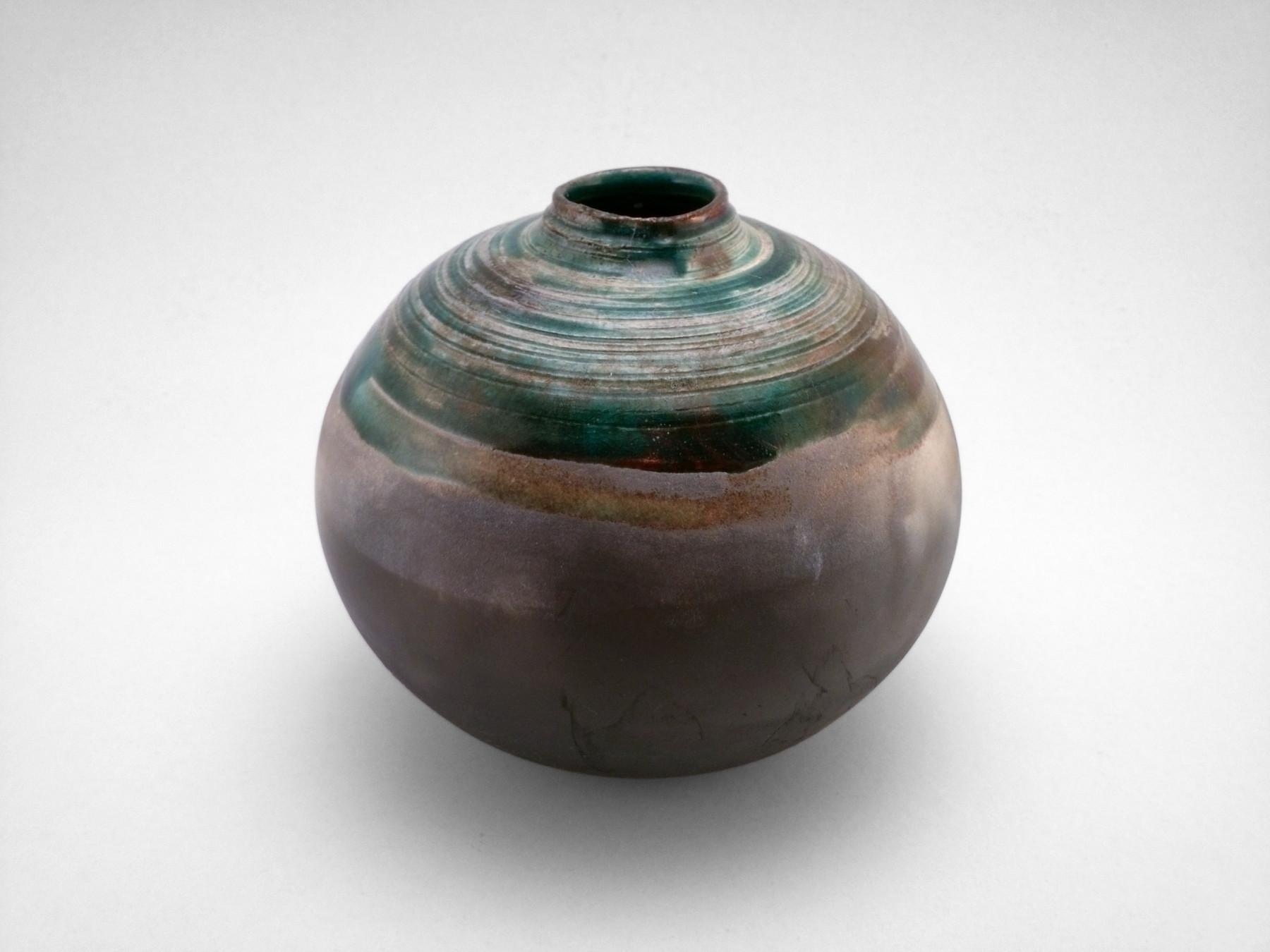 Emerald Vortex: Whispering Globe - Ildikó Károlyi