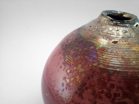 Enchanted Pomegranate: Whispering Globe - Ildikó Károlyi