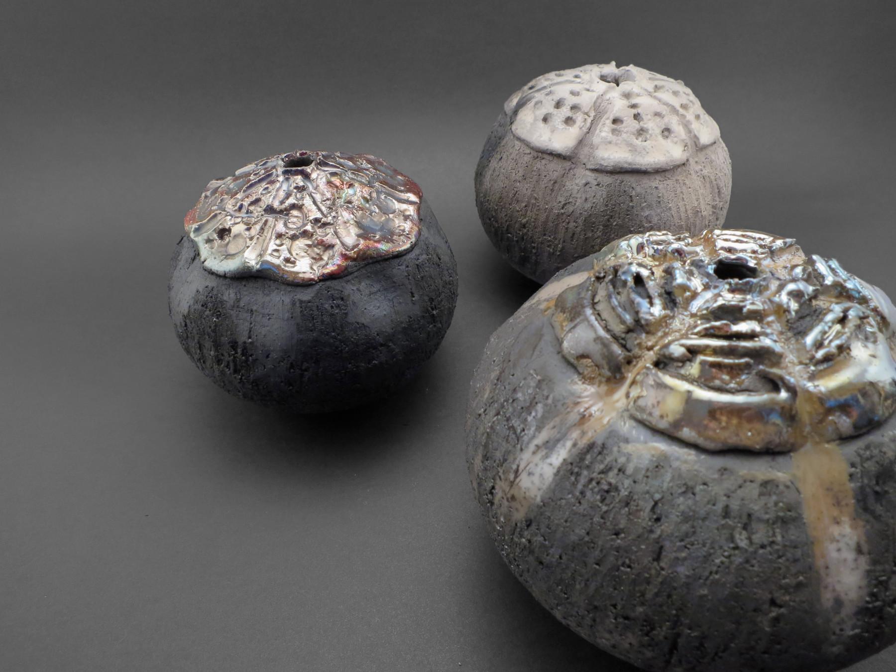 Sea Critters: Whispering Globes - Ildikó Károlyi