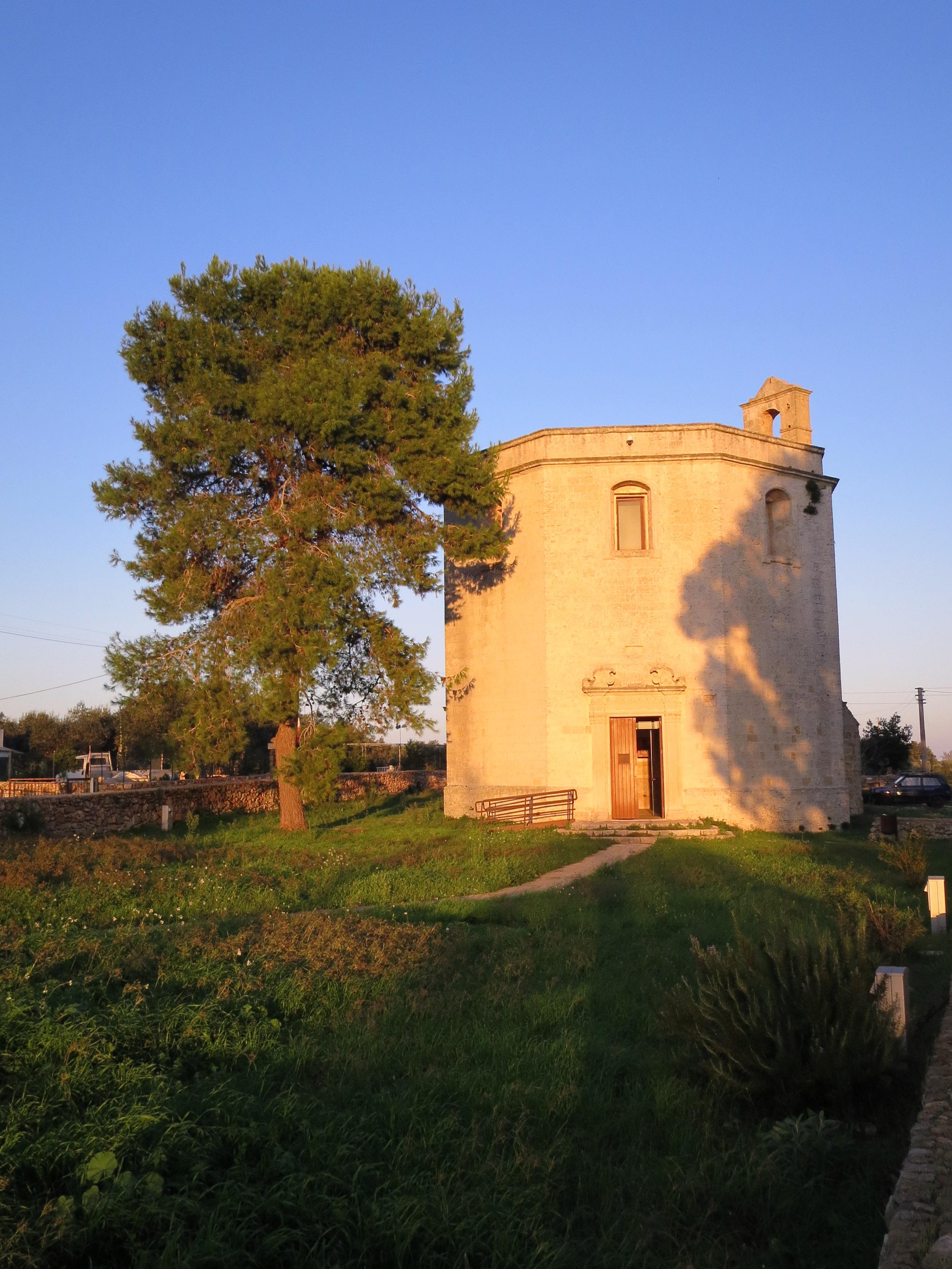 The Devils' Church - 1st International Ceramic Symposium in Salento and Raku Workshop