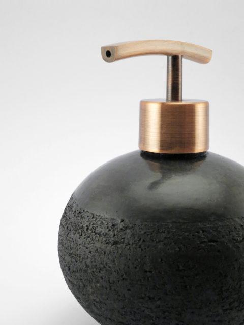 Fekete gyöngy szappankinyomó - Károlyi Ildikó