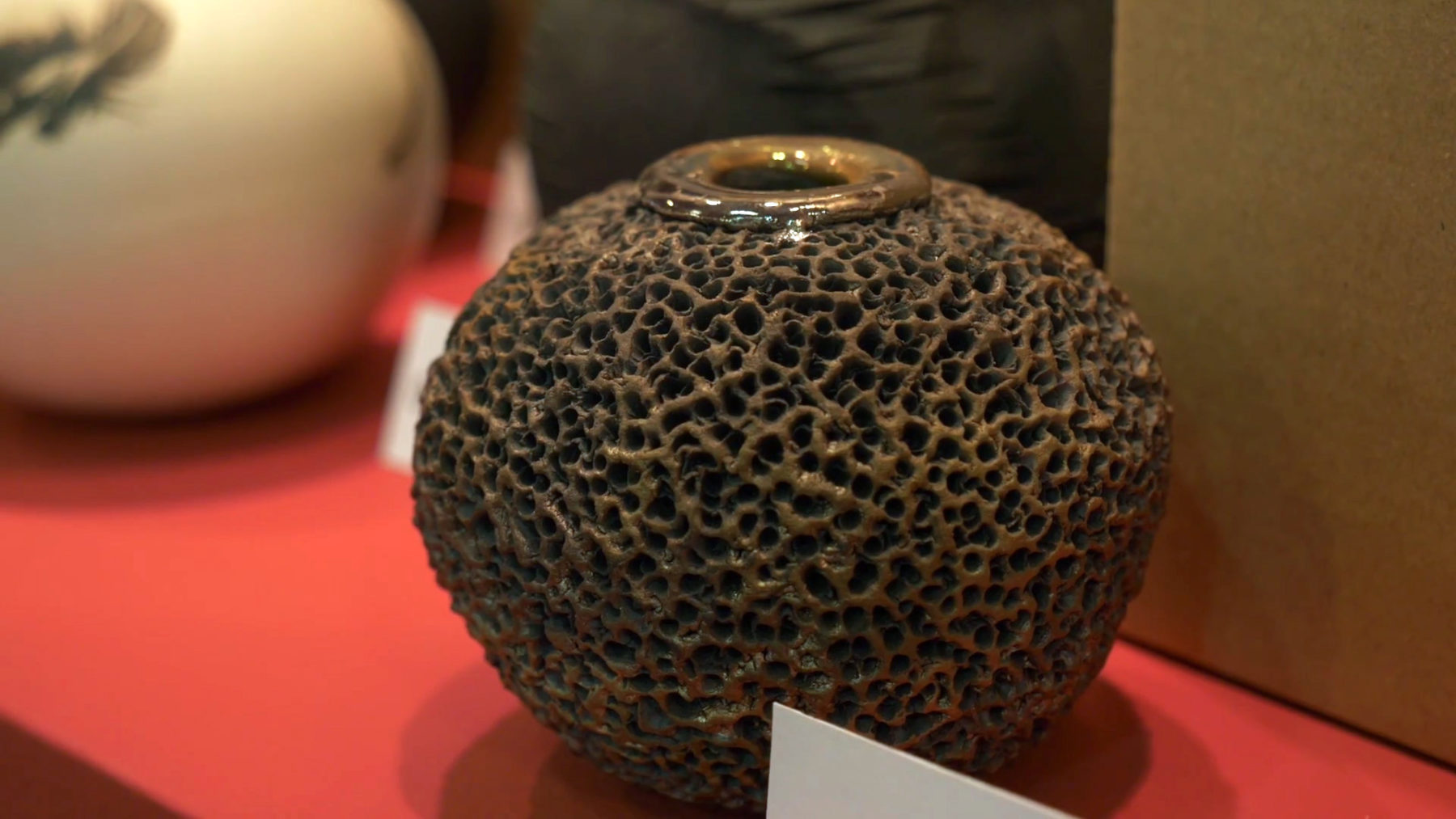 Sponge Whispering Globe - Masterpieces of Hungarian Craft - Budapest