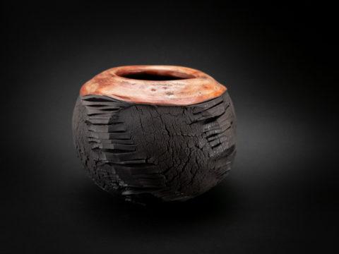 Dante's Inferno: Raku Ceramics Whispering Globe - Ildikó Károlyi