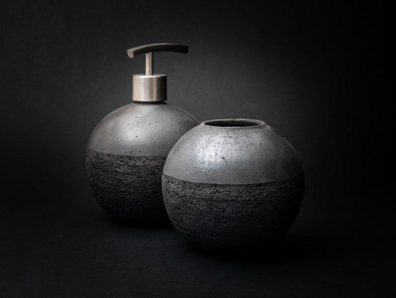 Graphite Raku Bathroom Set - Ildikó Károlyi