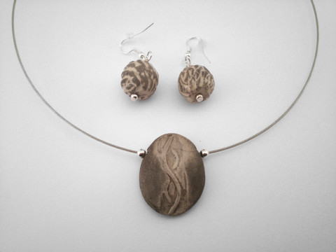 Pebble Medal and Pendants - Ildikó Károlyi